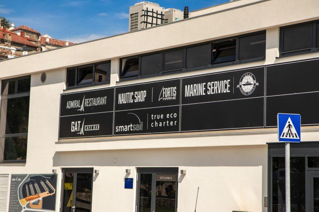 Nautic shop